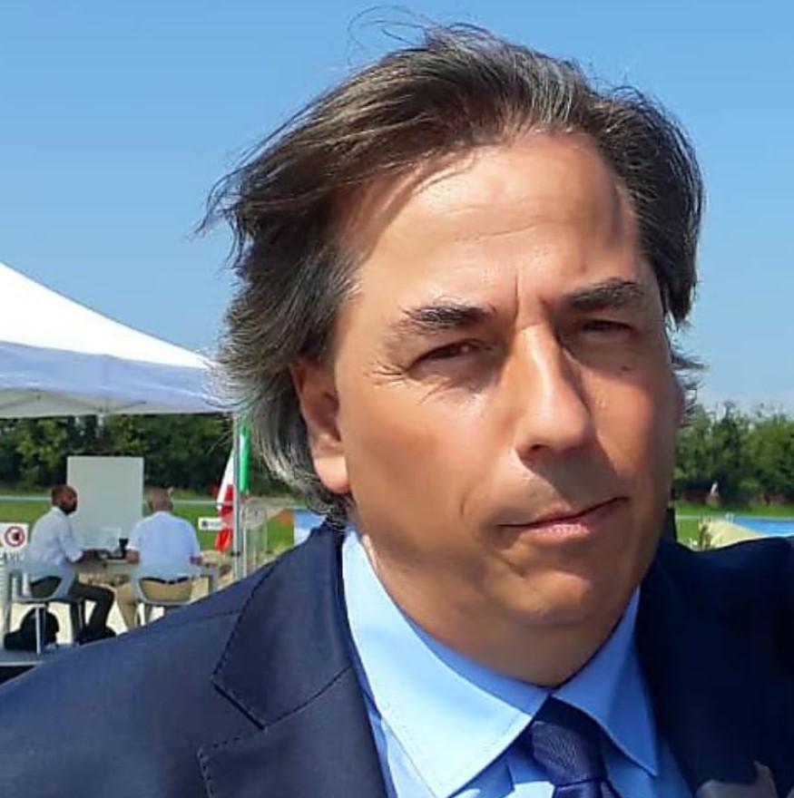 """< img src=""""https://www.la-notizia.net/lorenzo-damiano"""" alt=""""lorenzo damiano"""""""