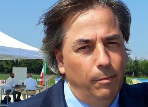 """< img src=""""https://www.la-notizia.net/crocifisso"""" alt=""""crocifisso"""""""