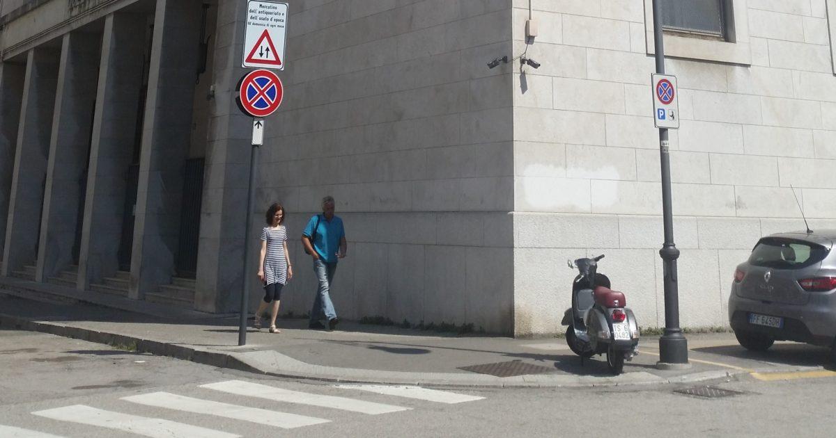 """< img src=""""https://www.la-notizia.net/trieste"""" alt=""""trieste"""""""