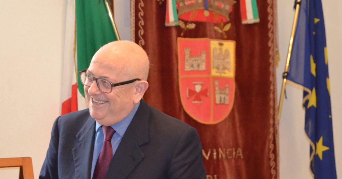 "< img src=""https://www.la-notizia.net/strade"" alt=""strade"""