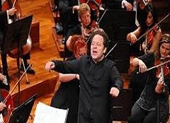 """La """"Sinfonia"""" di Berio diretta da John Axelrod"""