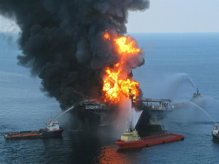 chiazza di petrolio